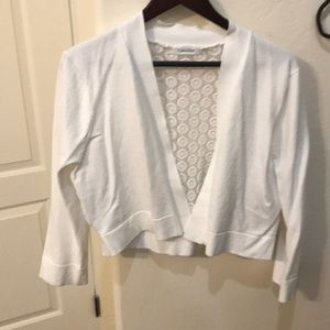 EUC Calvin Klein light sweeter/shrug